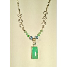 674  collier chrysoprase, argent sterling